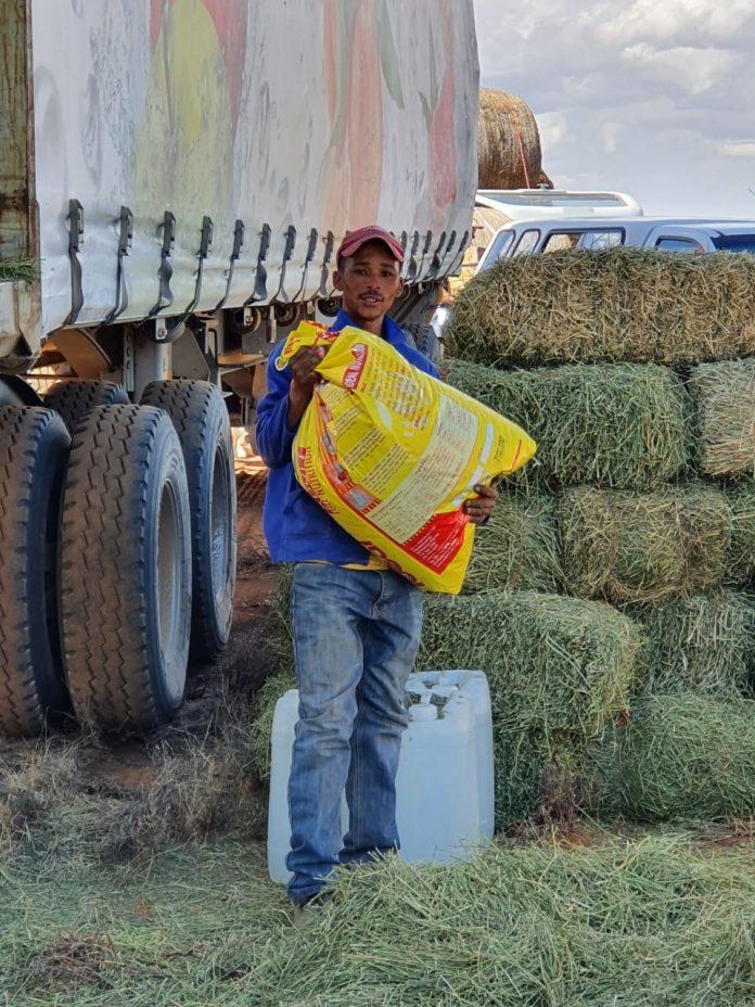 Tzaneen en omgewing se boere het verlede naweek die langpad Vrystaat en Karoo toe aangedurf om die hulpkreet van die boere daar te antwoord.